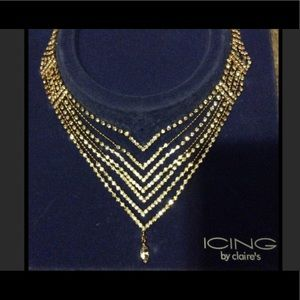NEW Genuine crystals in goldtone setting necklace